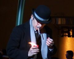 ライターではなく煙草の箱の方から火が出てしまう